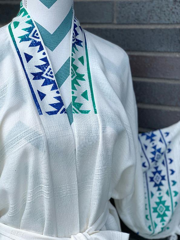 pavotail-alexandria-blue-organic-bamboo-kimono-robe-05-details