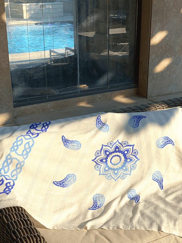pavotail-great-falls-blue-linen-bath-towel-04