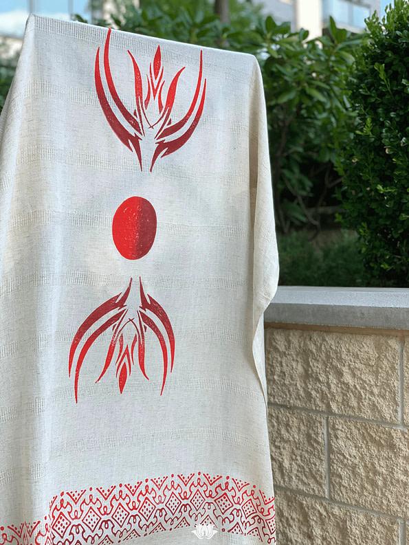 pavotail-wolf-trap-red-linen-bath-towel-01