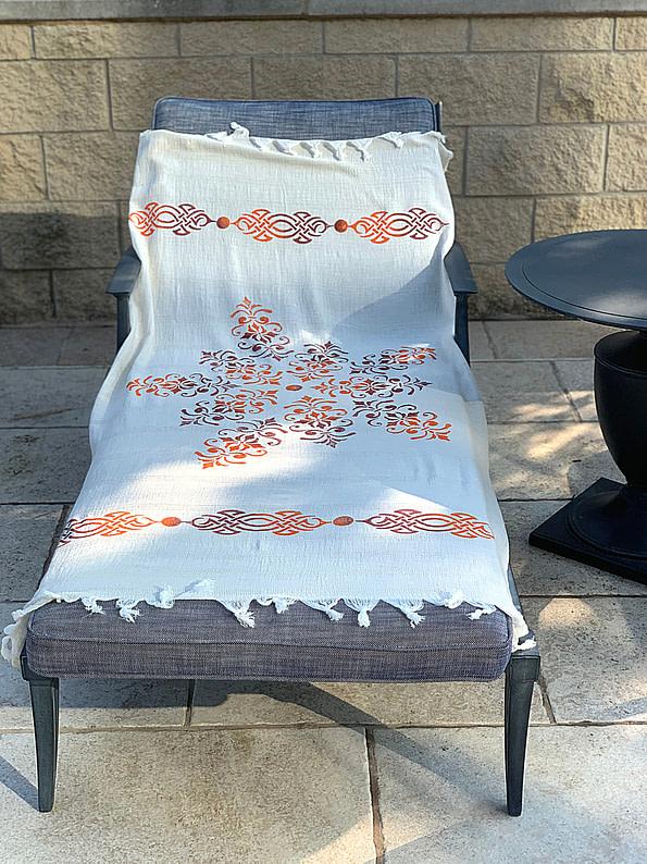 pavotail-chesapeake-orange-linen-bath-towel-02