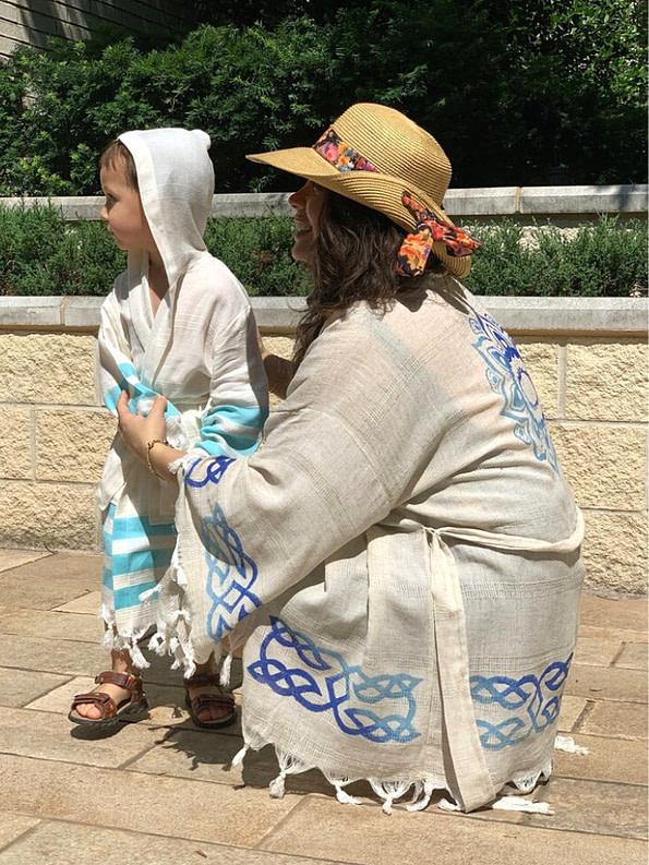 pavotail-great-falls-blue-linen-kimono-robe-11-extra