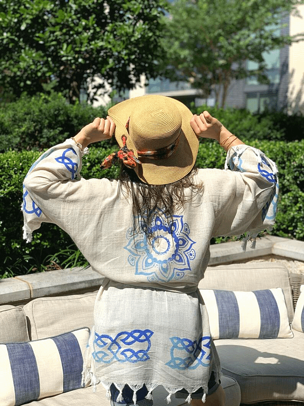 pavotail-great-falls-blue-linen-kimono-robe-08-scene