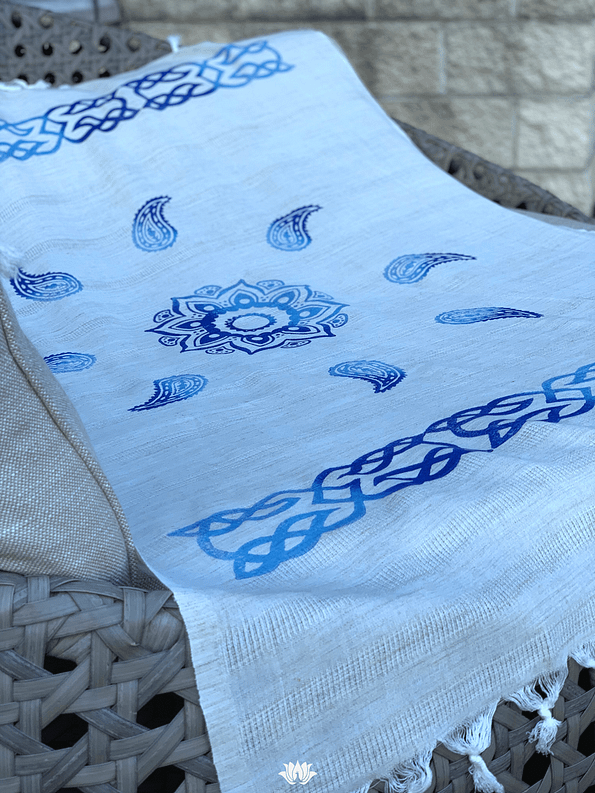 pavotail-great-falls-blue-linen-bath-towel-01